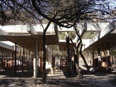 Pabellones de Granja / Bertolino Barrado Arquitectos