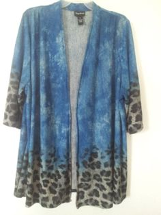 STUNNING!! And so fashionable! I <3 this top!!  Love it? Get it!! Get FREE shipping too! Maggie Barnes Open Front Cover Up Over Shirt Blue Animal Plus Woman 4x5x 30/32
