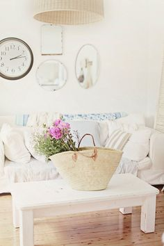 I love the casual style of this beach cottage living room.