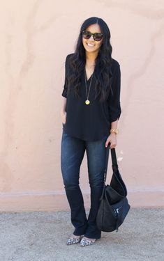 5 Dressy Casual Fall Looks - Jeans Black - Ideas of Jeans Black - Bootcut Jeans Black Blouse Gold Necklace Black Sunnies Leopard Heels Dressy Casual Fall, Best Casual Wear For Men, Casual Fall Outfits, Spring Outfits, Casual Fridays, Outfit Summer, Dressy Jeans Outfit, Jeans Outfit Winter, Black Blouse Outfit