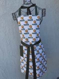 Packers apron celebrates your team for tailgating by judarose