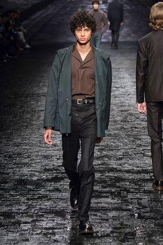 Corneliani Menswear Fall/Winter 2016/2017 - Milan http://intrend.fashion/index.php/milan-fashion-week/fall-winter-2016-2017-menswear-fashion-shows/7618-corneliani-menswear-fall-winter-2016-2017-milan #mfw #menswear #milan