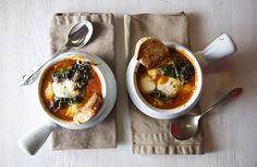 Tomatoe-Spinach-Soup-Caprese-style-Yes,more-please!