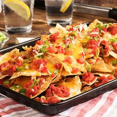 Grilled Loaded Nachos   Ready Set Eat Recipes Appetizers And Snacks, Yummy Appetizers, Dinner Recipes, Healthy Snacks, Healthy Recipes, Mexican Food Recipes, Beef Recipes, Chicken Recipes, Cooking Recipes