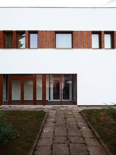 KD Kojatice Garage Doors, Studio, Outdoor Decor, Home Decor, Decoration Home, Room Decor, Studios, Home Interior Design, Carriage Doors