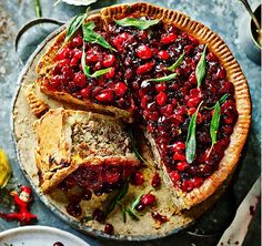 Jamie's best-ever Christmas recipes: Leftovers for all Christmas Dinner Leftover Recipes, Xmas Dinner, Holiday Recipes, Christmas Recipes, Vegan Christmas, Christmas Cooking, Christmas Time, Jamie Oliver, Christmas Sandwiches