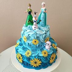 Bolo Frozen Ideias Lindas e Divertidas Bolo Frozen Fever, Festa Frozen Fever, Elsa Birthday, 4th Birthday Cakes, Birthday Ideas, Frozen Birthday Cake, Frozen Theme Party, Bolo Frozen Chantilly, Cupcakes