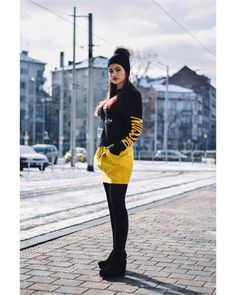 Today I am in love with. starting the week in bold colours wearing my favourite skirt from 💛 jumper - boots - hat - Bold Colors, Colours, Am In Love, My Favorite Things, Jumper, Zara, Yellow, Boots, Skirts