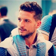 Whoever this sexy guy is, he can have anything he wants 😛 More hot men Dries Mertens, Sexy Gay Men, Hot Boys, Number 14, Handsome, Eden Hazard, Football, Guys, Hot Men