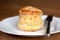 Easy Classic British Cheese Scones Scones: Easy Cheese Scone Recipe – Recipe for Cheese Scones British Scones, British Cheese, Savory Scones, Savoury Baking, Baking Scones, Vegan Baking, Easy Cheese, British Baking, Tray Bakes