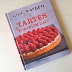 Les tartes c'est ce que je préfère! Alors quand j'ai vu ce livre, je n'ai eu qu'une envie, non pas de le dévorer, quoique mais surtout de me plonger dans toutes ces recettes…