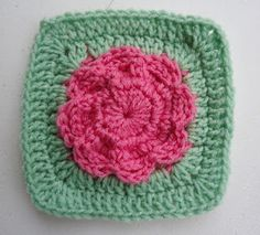 "BlueDragonFly Designs on a Hook: MOMS FLOWER 6"" SQUARE"
