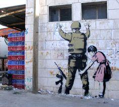 graffiti Love artists who do this graffiti or art? Amazing Graffiti Art by Banksy Banksy Graffiti, Street Art Banksy, Graffiti Artwork, Bansky, Graffiti Artists, Banksy Prints, Stencil Graffiti, Art Manifesto, Urbane Kunst