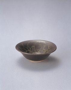 ITAYA Hazan (1872~1963), Japan 板谷波山 花文平茶碗