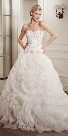 Elianna Moore 2014 Wedding Dress Collection   Team Wedding Blog #weddingdress #weddingdresses #wedding