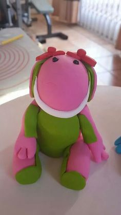 Lettie Frozen Birthday Party, Birthday Parties, Cake Toppers, Fondant, Dinosaur Stuffed Animal, Party Ideas, Cakes, Toys, Anniversary Parties