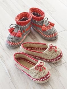 ANNIE'S SIGNATURE DESIGNS: Adult Moccasin Crochet Pattern from Annie's Craft Store. Order here: https://www.anniescatalog.com/detail.html?prod_id=136092&cat_id=468