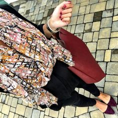 IG @mrscasual <click through to shop this look> Sole Society scarf.  Pleione black tunic.  Topshop maternity skinny jeans. Wine, burgundy flats, reversible tote bag.