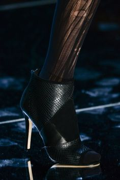 Nicole Miller at New York Fall 2015 (Details)