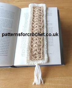 Free crochet pattern for bookmark from http://www.patternsforcrochet.co.uk/bookmark-usa.html