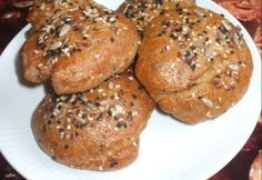 Teljes kiőrlésű zsemle házilag Bread Recipes, Diet Recipes, Vegan Recipes, Salty Foods, Cooking Together, How To Make Bread, Sweet And Salty, Food Menu, Diabetic Recipes