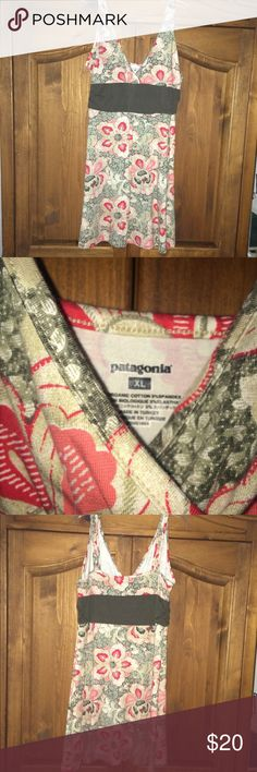 PATAGONIA SURPLICE PRINT DRESS NEVER WORN.   KNIT GREEN , RED and SALMON FLORAL COMFY DRESS. GOOD AS NEW Patagonia Dresses Midi