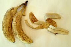 Stop Throwing Away Banana Peel – It Has Amazing Uses Banana is my favorite fruit when we speak about fruits. It`s healthy, inexpensive and delicious.
