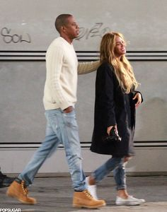 Beyoncé and Jay Z Take a Sweet Stroll and Snap Photos in Italy
