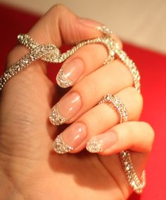 The World's First 10 Carat Diamond Manicure Now you can get a diamond manicure thanks to the Iced manicure by Cherish Angula. The extremely luxurious manicure lets you have 10 carats of Diamond Love Nails, How To Do Nails, Pretty Nails, Fun Nails, Sexy Nails, French Nails Glitter, Glitter Nails, Bling Nails, Sparkly Nails