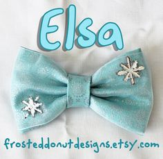 Elsa from Frozen inspired Disney Bow door FrostedDonutDesigns, $9.25