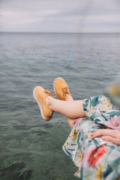 Looking for ecofriendly and vegan shoes? Discover our Zen espadrilles online. Find a large variety of models and colours at Natural World, Visit us! Vegan Boots, Palm Beach Sandals, Natural World, Espadrilles, Model, Shopping, Shoes, Book, Fashion