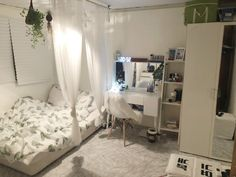 Small Bedroom Ideas - Small Bedroom Designs and Ideas for Maximizing Your Small Room That Pop. 37 Small Bedroom Styles and also Ideas for Optimizing Your Area as well as Including a Sprinkle of Indivi Room Ideas Bedroom, Small Room Bedroom, Home Decor Bedroom, Diy Bedroom, Modern Bedroom, Contemporary Bedroom, Girls Bedroom, Small Room Decor, Minimalist Bedroom Small