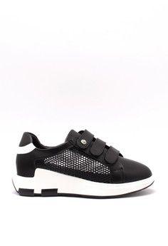 Wanita > Sepatu > Sneakers > Sepatu Wanita Sneakers Hitam > Karen&Chloe