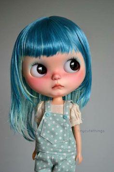 @xocomaox She kinda looks like Emily...if she had blue hair