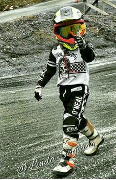 Emil 💜 #motocross #braaap #motolife #motofamily #motokid #motokids #motokidsrider #braap #foxracing #ktm #norway #race #ride #rider #coolestkidever #mx #dirtbike #dirt