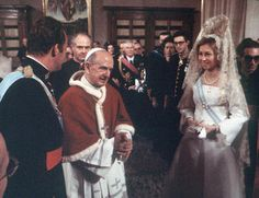 El Papa Paulo VI junto a Juan Carlos y Sofía de España