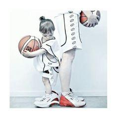 È la mia vita, non riesco a farne a meno. Lo è stata dal primo momento che ho preso in mano quel pallone e ho capito che non sarei più riuscita a staccarmi da questo sport.
