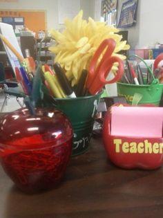 Teacher organization tips! (daily organization M-F) instead of folders! Daily Organization, Classroom Organization, Classroom Management, School Classroom, Classroom Decor, 5th Grade Math, Teacher Stuff, Getting Organized, School Stuff