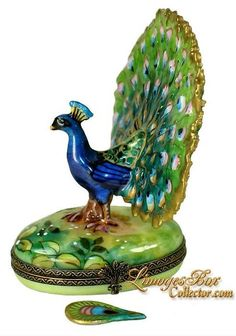 Majestic Peacock w/ Feather (Beauchamp) - Decorative Trinket Box / Limoges Box Collector