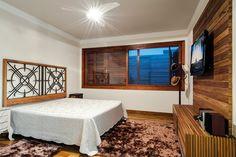 Nesta charmosa residência, valorizou-se o aconchego dos ambientes e a proximidade com a natureza
