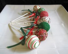 Weihnachten Cake Pops von erica Maureen and Miriam turns 6 Christmas Cake Pops, Christmas Sweets, Noel Christmas, Christmas Goodies, Christmas Baking, Christmas Ornament, Holiday Cakes, Holiday Desserts, Holiday Treats