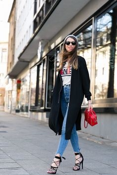 Nach dem coolsten Jeansrock geht's heute weiter mit der coolsten Skinny Jeans! Ich hab nämlich tatsächlich schon überlegt, ob ich sie mir