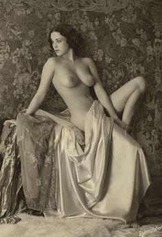 1940 Nude Pose