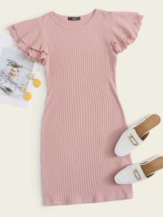 Cute Girl Outfits, Cute Casual Outfits, Pretty Outfits, Stylish Outfits, Girls Fashion Clothes, Teen Fashion Outfits, Ribbed Knit Dress, Rib Knit, Fancy Dress Design