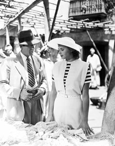 Humphrey Bogart and Ingrid Bergman in Casablanca 1942 Ingrid Bergman Casablanca, Casablanca Movie, Casablanca 1942, Humphrey Bogart Casablanca, Golden Age Of Hollywood, Classic Hollywood, Old Hollywood, First Ladies, Bogie And Bacall