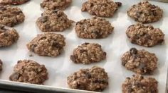 10 Healthy Cookies with Oatmeal for Weight Loss and healthy snacking! Chocolate Chip Oatmeal Cookies, Pumpkin Chocolate Chip Cookies, even Biscotti recipes! Healthy Cookie Recipes, Healthy Cookies, Ww Recipes, Healthy Desserts, Healthy Dishes, Skinny Recipes, Yummy Cookies, Light Recipes, Recipes