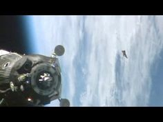 Amazing Universe | ISS films The Black Knight Satellite UFO very close to Soyuz Spacec - Amazing Universe