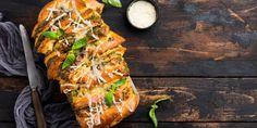 H συνταγή που ψάχνουν όλοι στο Google: Σκορδόψωμο με λιωμένο τυρί   GASTRONOMIE   iefimerida.gr Recipes, Google, Fine Dining, Ripped Recipes, Cooking Recipes, Medical Prescription, Recipe