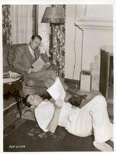 cary grant and randolph scott: a love story - - this picture is so cute i may die. Golden Age Of Hollywood, Vintage Hollywood, Hollywood Stars, Classic Hollywood, Hollywood Men, Cary Grant Randolph Scott, Gary Grant, Divas, Viejo Hollywood