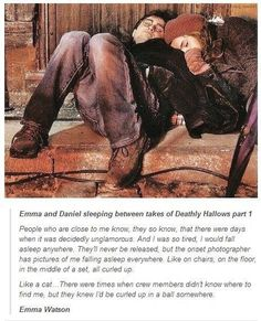 Emma Watson and Daniel Radcliffe cuddled up in some corner on set of Deathly Hallows Part Harry Potter. Harry Potter World, Harry Potter Thema, Harry Potter Jokes, Harry Potter Cast, Harry Potter Universal, Harry Potter Fandom, Second Harry Potter Movie, Harry Potter Friendship, Harry Y Hermione
